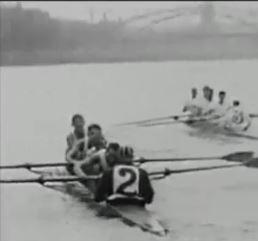 Zwei Vierer vor der Deutschherrrnbrücke