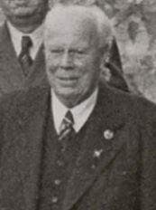 Friedrich Stoltze 1956 anlässlich der Verleihung der goldenen Ehrennadel des FRV